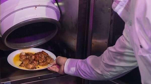 Selalu Dikritik Istrinya Tak Bisa Masak, Pria Ini Buat Robot Chef