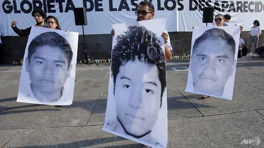Mahasiswa Meksiko Dilarutkan dalam Cairan Asam