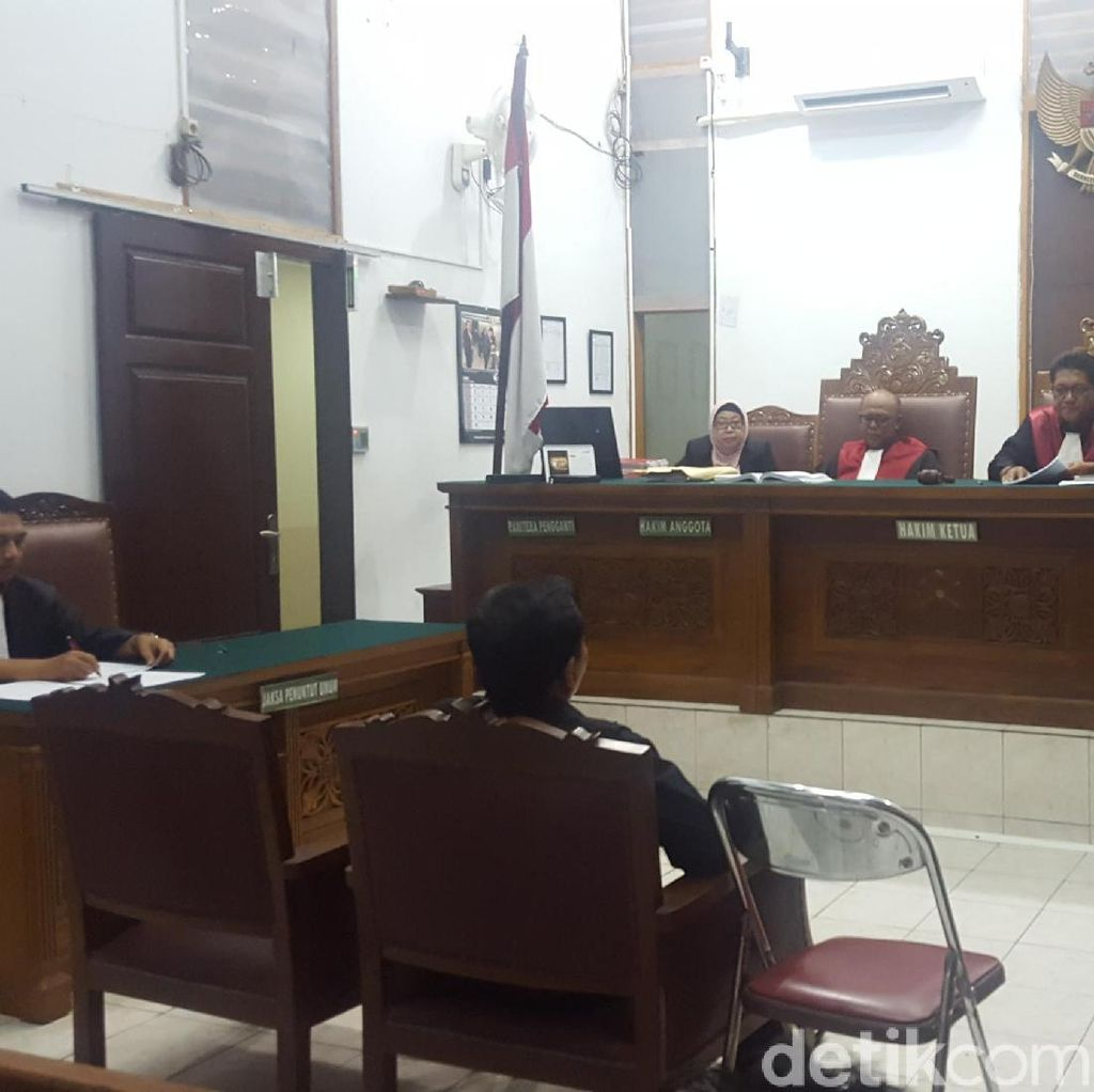 Terbukti Perkosa CTP, Aa Gatot Divonis 9 Tahun Bui