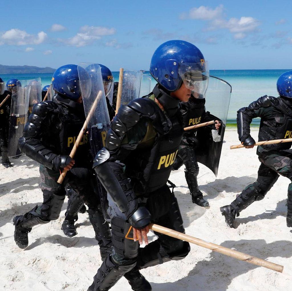 Jelang Penutupan Boracay, Polisi-Militer Filipina Latihan Bersama
