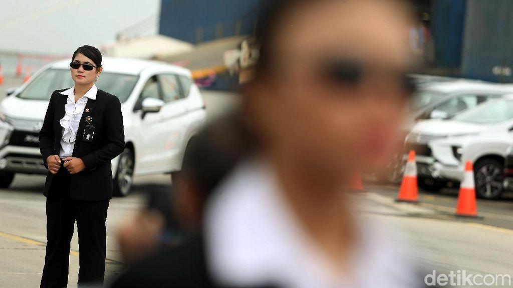 Paspampres Wanita Kawal Jokowi di Perayaan Ekspor Xpander