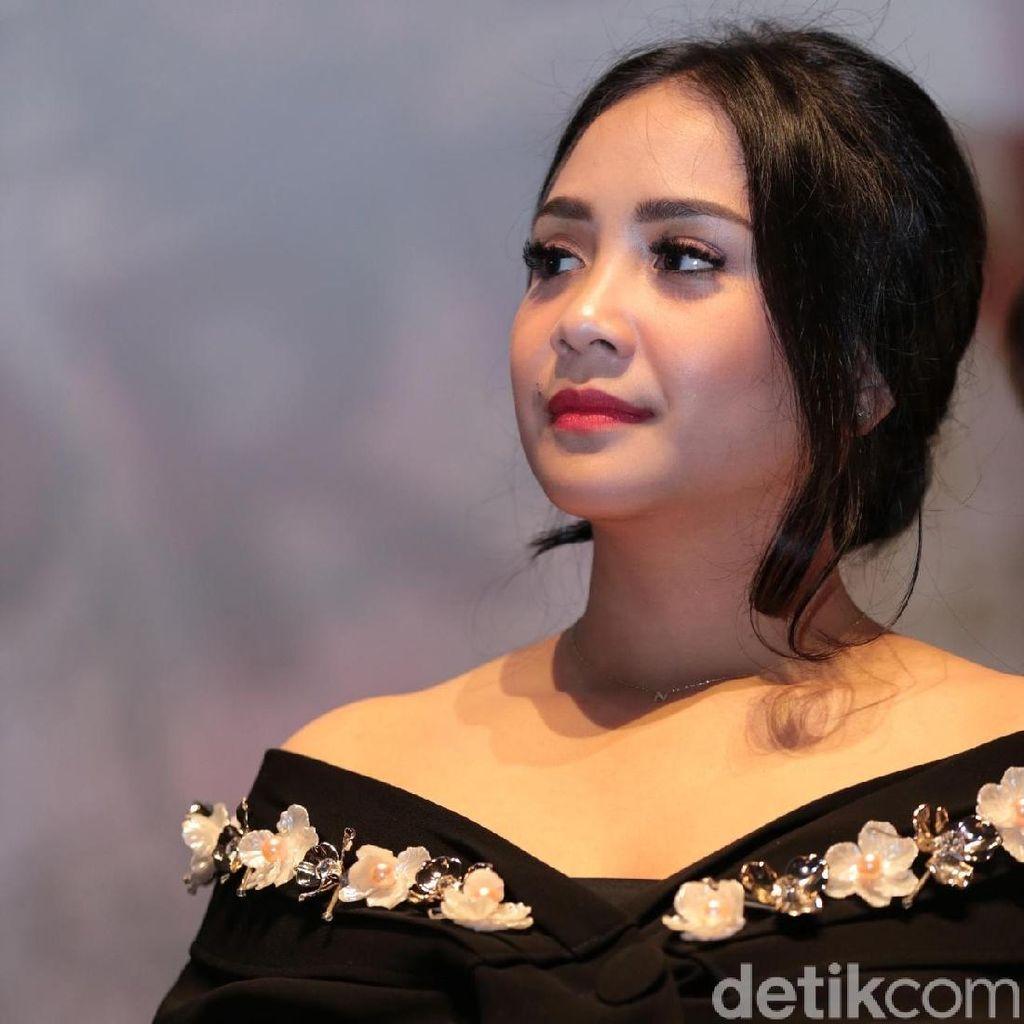 Raffi Ahmad Isyaratkan Nagita akan Main Film dengan Ayu Ting Ting