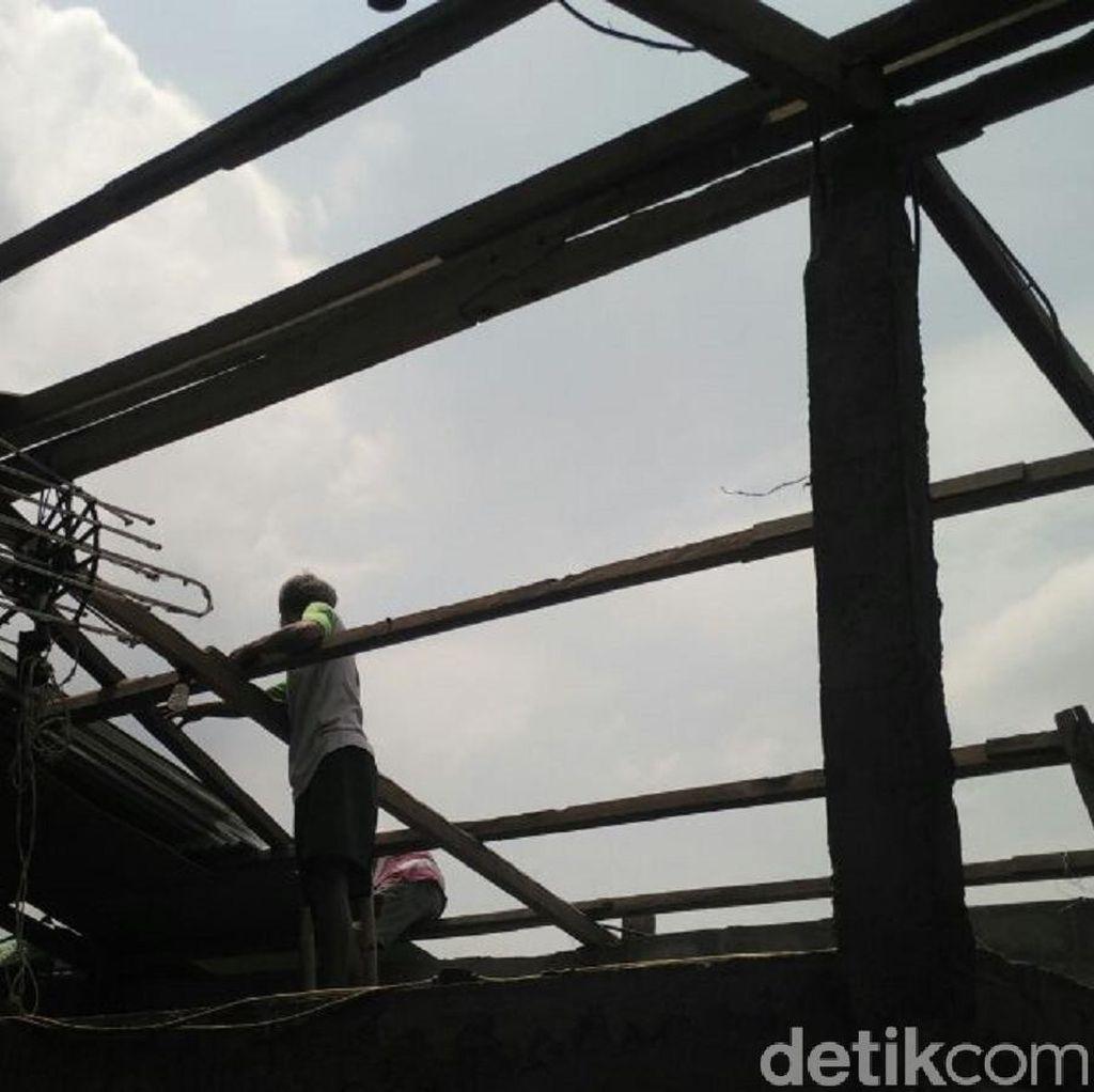 Korban Putung Beliung Terpaksa Berhutang untuk Perbaiki Rumah