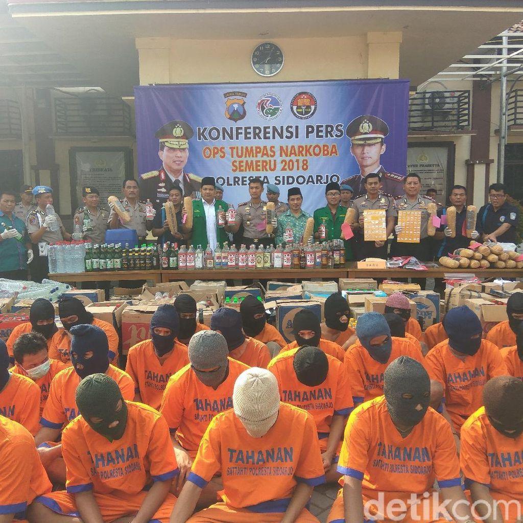Hasil Tangkapan 12 Hari, Ribuan Botol Miras Berhasil Diamankan