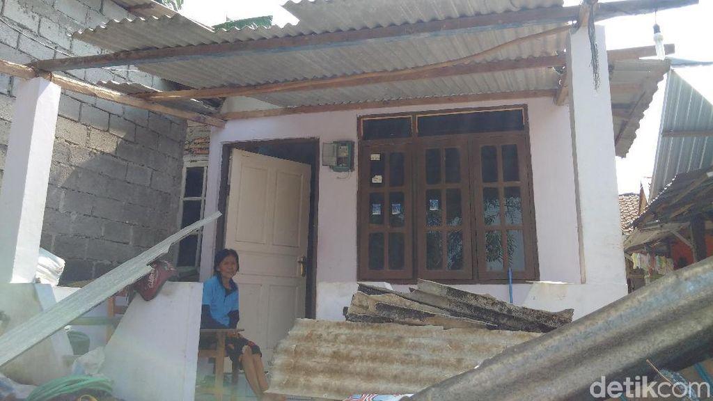 Belum Dapat Bantuan, Korban Puting Beliung Butuh Terpal dan Asbes