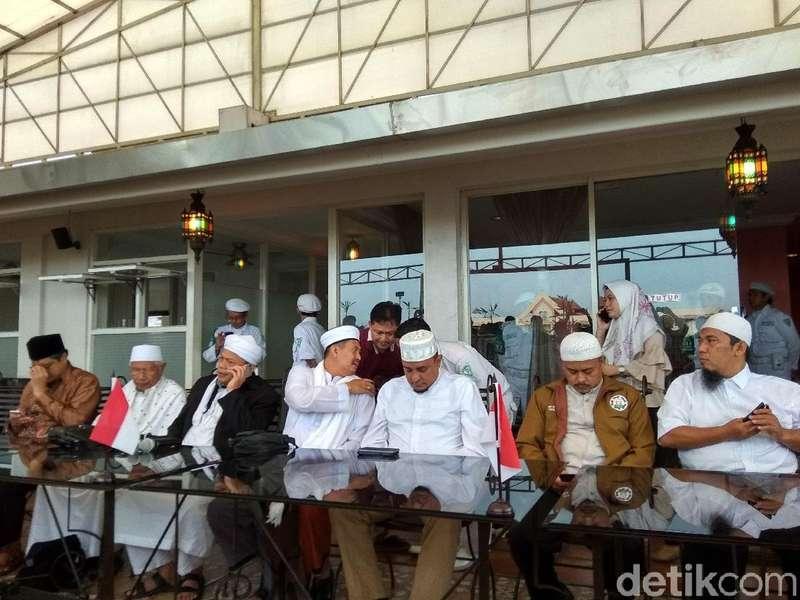 PA 212 Sebut Jokowi Sempat Curhat soal Hujatan Kepadanya