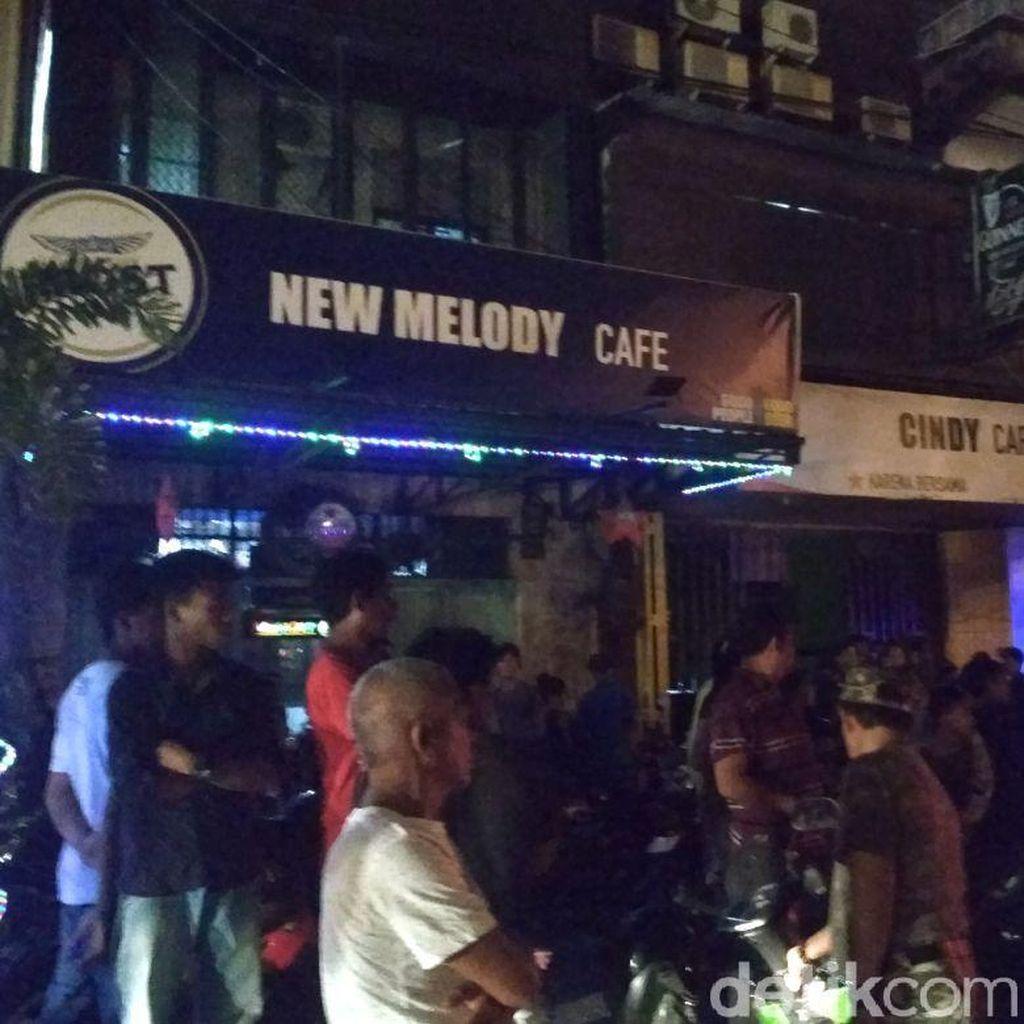 Polisi Sita 1.632 Botol Miras dari Razia Kafe di Makassar
