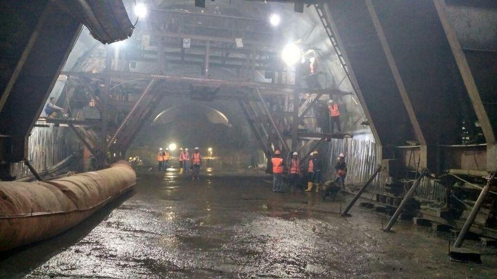 Tembus Bukit, Begini Perkembangan Terowongan Tol Cisumdawu