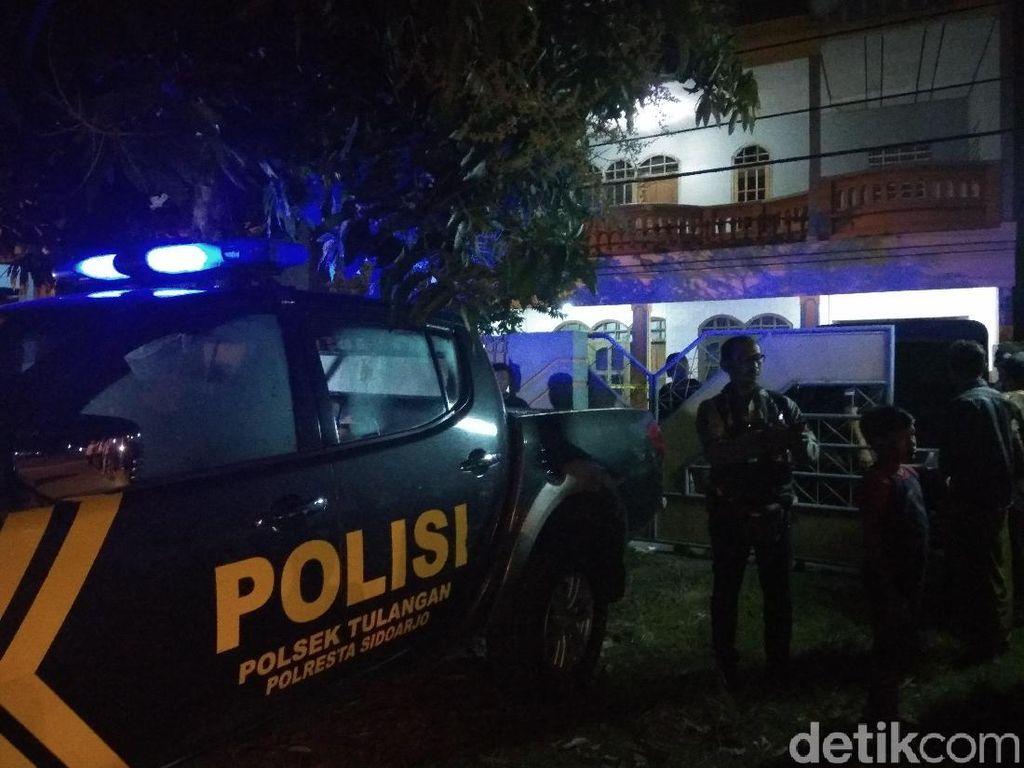 Polisi Gerebek Rumah Tempat Produksi Miras Oplosan di Sidoarjo