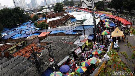 Foto: PKL Kuasai Trotoar Jalan Jatibaru dan Blok F Tanah Abang