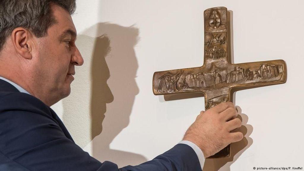 Negara Bagian di Jerman Perintahkan Pasang Salib di Gedung Publik