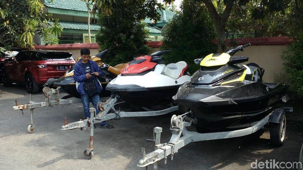 KPK Sita 5 Jet Ski Hingga Mobil Mewah Milik Bupati Mojokerto