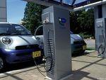 Pertama di Dunia, Jalan yang Bisa Charge Mobil Listrik di Swedia