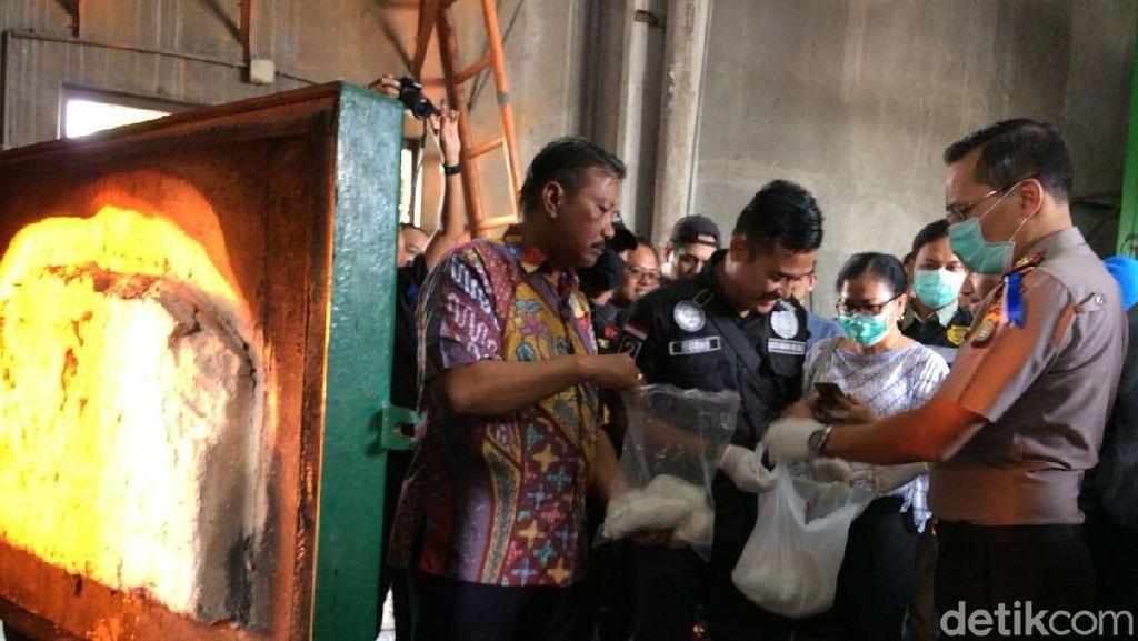 Polisi-Bea Cukai Soetta Musnahkan 3 Kg Sabu