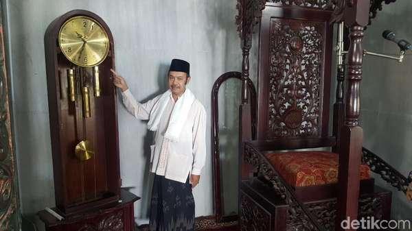Ini Barang di Dalam Masjid yang Dirusak Pria Tak Dikenal