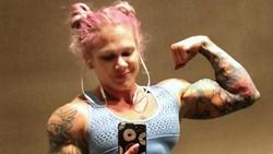 Potret Cammie, Tentara Berwajah Barbie dengan Otot Hulk