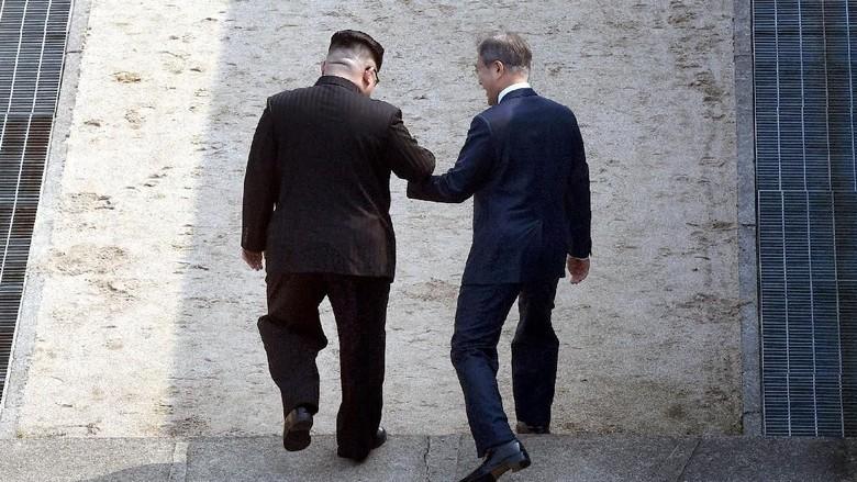 Kata Kim Jong-Un Saat Menginjakkan Kaki di Korsel: Dibanjiri Emosi