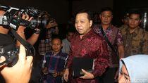 Setya Novanto Akui Pantau Penggeledahan Rumahnya Lewat TV
