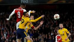 Arsenal Diimbangi 10 Pemain Atletico 1-1