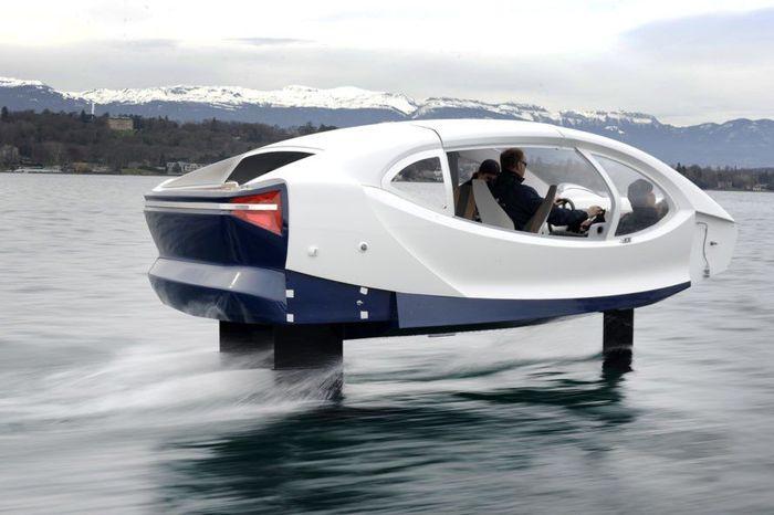 Mobil beremisi rendah ini didesain oleh perusahaan Prancis, SeaBubbles. Inhabitat/Istimewa.