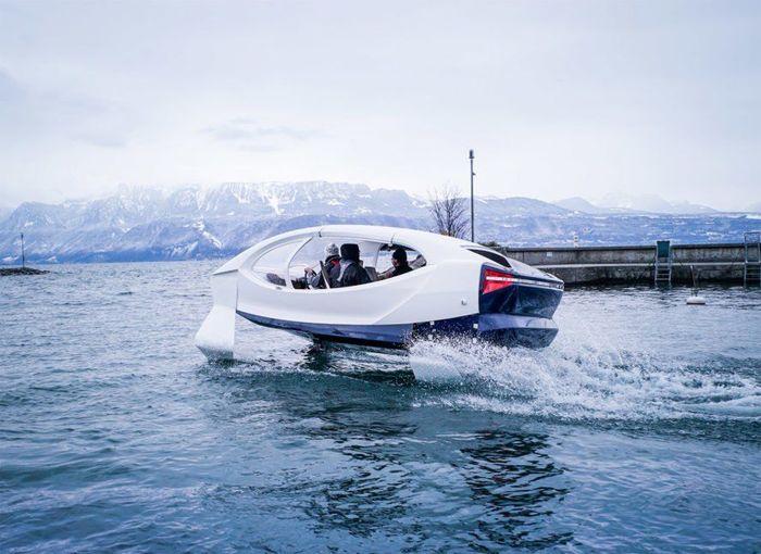 Dengan warna putihnya, mobil ini didesain dengan gaya yang modern. Inhabitat/Istimewa.