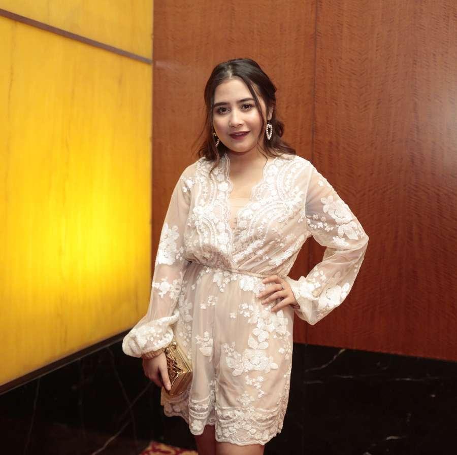 Cantiknya Prilly Latuconsina dan Citra Kirana di Nikahan Raditya Dika
