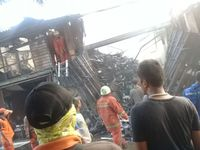 Lokasi kebakaran dekat stasiun Rajawali
