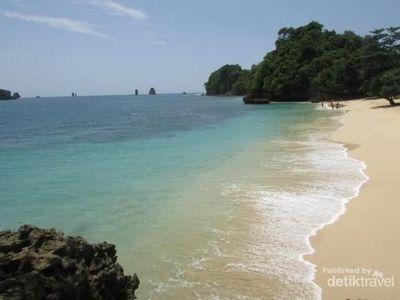 Pantai Cantik dan Tersembunyi di Malang
