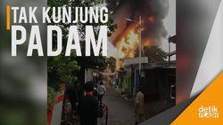 Pabrik Tiner di Tangerang Terbakar