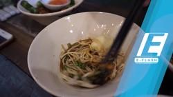Kenyang! Menyantap Habis Bermangkuk-mangkuk Mie Thailand