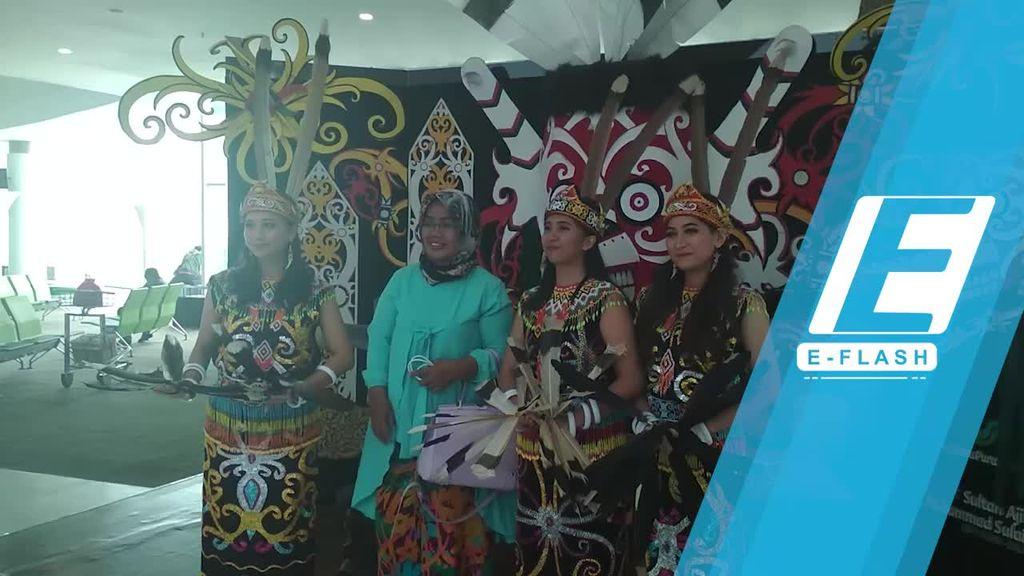 Menikmati Tari Tradisional Kalimantan di Bandara Balikpapan