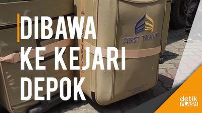 Kulkas hingga Koper Kasus First Travel Diangkut Truk