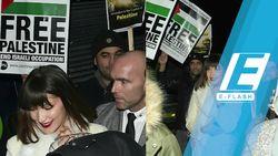 Aksi Bella Hadid Ikut Demo Bela Palestina