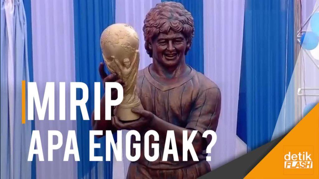 Maradona Resmikan Patung Dirinya di India