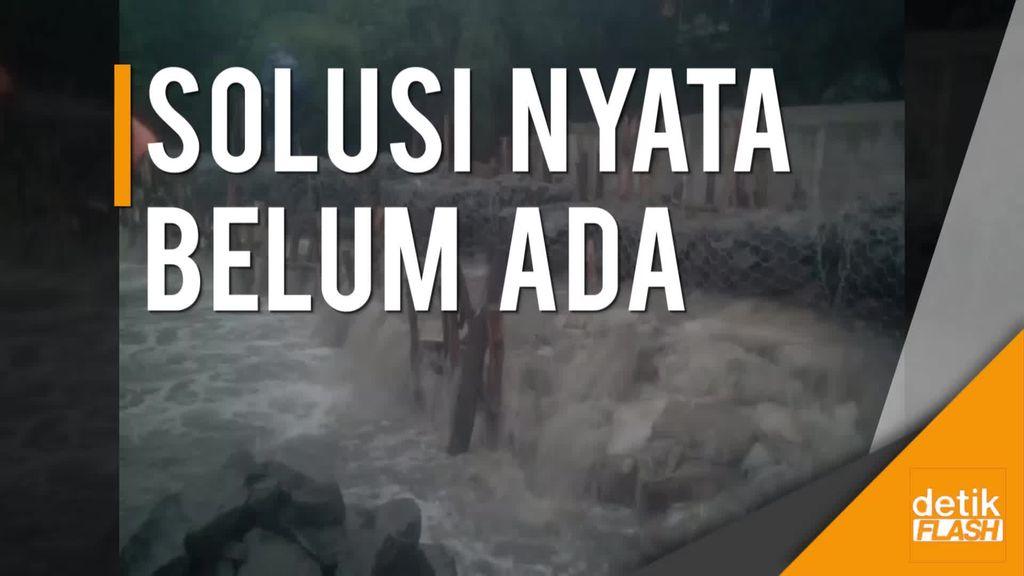 Lagi dan Lagi! Tanggul Kali Pulo Jebol, Warga Jati Padang Kebanjiran