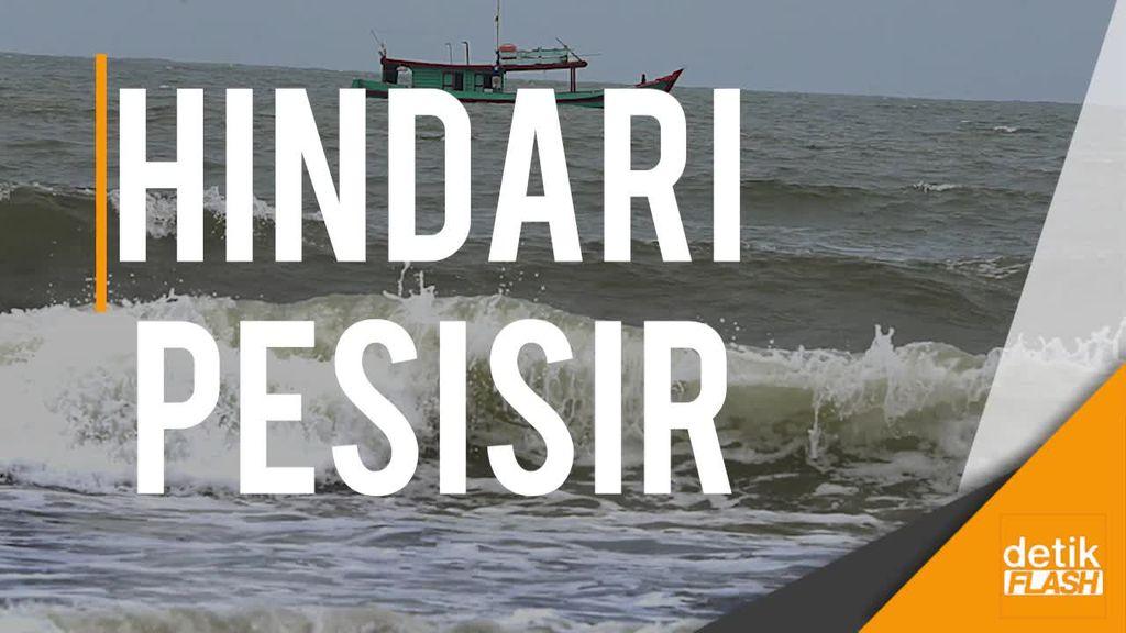 Khawatir Tsunami, Warga Tinggalkan Pangandaran