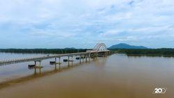 Pesona Wisata Baru Jembatan Kapuas Tayan