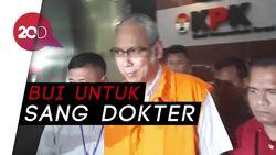 13 Jam Diperiksa KPK, Dr Bimanesh Keluar Kenakan Rompi Oranye