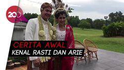 Ardina Rasti dan Arie Dwi Andika Bertemu di Musala