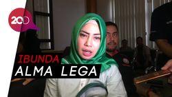Ibunda Salmafina Nangis di Pengadilan Agama, Kenapa?