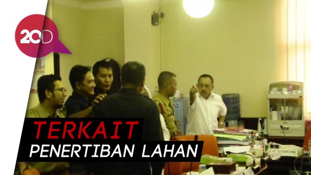 Ribut-ribut Ketua DPRD dan Kasatpol PP Surabaya