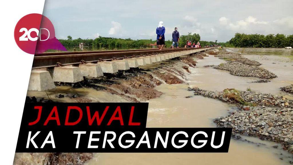 Banjir Cirebon-Brebes Hantam Tol dan Jalur KA
