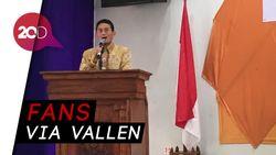 Gaya Sandi Nyanyi Lagu Sayang Via Vallen saat Beri Pengarahan