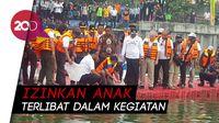 Tinjau Kampung Warna-warni, Anies Ajak Anak Naik Perahu Karet