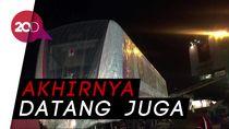 Dua Gerbong LRT dari Korsel Tiba di Jakarta