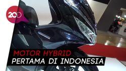 Honda Persembahkan PCX Hybrid, Motor Ramah Lingkungan
