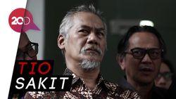 Sidang Perdana Tio Pakusadewo Ditunda