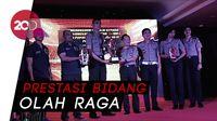 Kapolri Beri Penghargaan Tim Bola Voli Bhayangkara