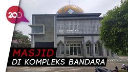 Ramai Masjid dengan Kaligrafi Bernuansa Salib