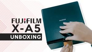 Unboxing Fujifilm X-A5, Kamera Canggih Berdesain Klasik